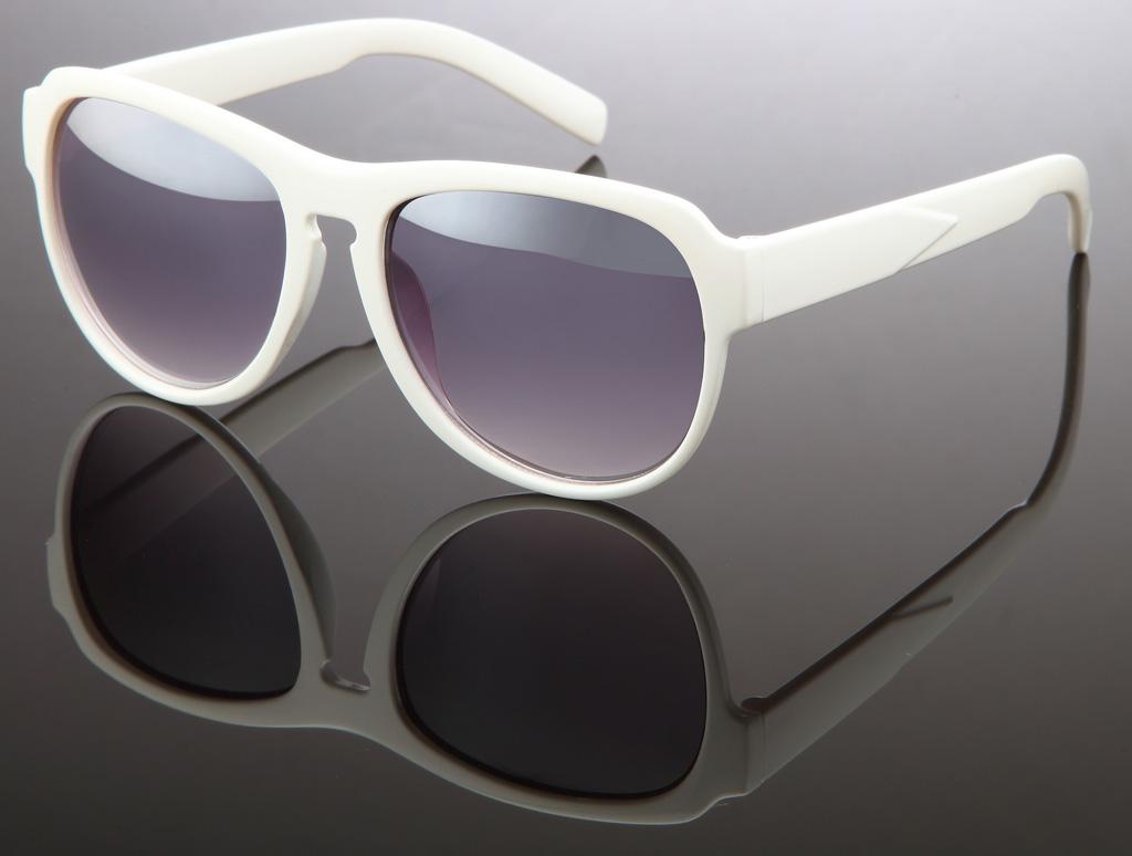 wayfarer sonnenbrille kunststoffgestell gl nzend chic elegant business look graue gl ser. Black Bedroom Furniture Sets. Home Design Ideas